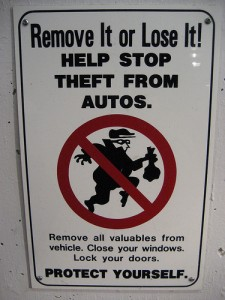 Beware thieves in socks par Evin DC, via Flickr CC